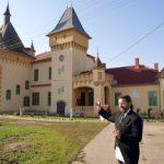Daniel Negrea, singurul român cu domiciliul oficial la castel