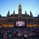 Muzică, gastronomie şi filme în aer liber, la Viena