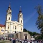 UPDATE: The Telegraph: Mănăstirea Maria Radna arată ca un castel Disney