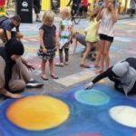 Cea mai mare suprafaţă din asfalt decorată cu desene a fost creată la Copenhaga.