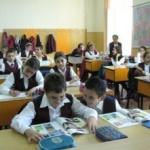 Structura anului şcolar 2015-2016: elevii vor avea 177 de zile de cursuri