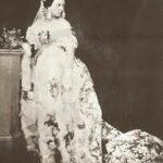 Prima mireasă care a îmbrăcat o rochie albă a fost Mary, Queen of Scots.