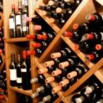 Vinuri vechi, furate din vinotecă de la Miniș
