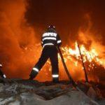 Incendiu în Aradul Nou. Doi copii au murit