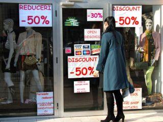 ANPC: Cumpărătorii să fie foarte atenţi la preţuri în perioada reducerilor de iarnă