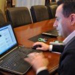 Falcă își reia dialogurile cu arădenii pe Facebook