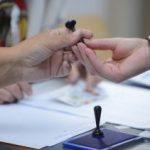 Sondaj: Aproape jumătate dintre români nu știu cu cine vor vota