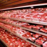 Acuzații: Carne expirată spălată cu detergent, pusă în vânzare