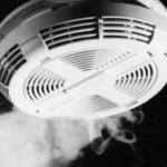 Detectoarele de fum şi incendiu, aparatele care salvează vieţi (P)