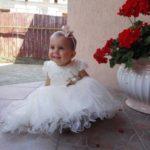 O fetiță de 2 ani, cu o boală extrem de rară, are nevoie de ajutor