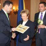 Diplome de onoare pentru foștii angajați din instituțiile publice