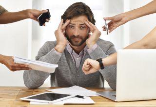 Sondaj: Două treimi dintre angajaţii români sunt stresaţi la locul de muncă
