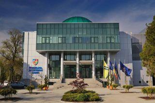 CJ Arad se asociază cu instituţii din subordine, pentru a cumpăra curent mai ieftin