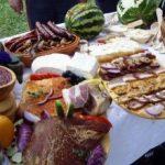 În România, locuitorii de la ţară mănâncă mult mai mult decât orăşenii