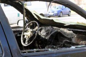 masina-incendiata