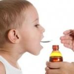 Părinţii tratează durerea şi febra copiilor cu medicamente nepotrivite vârstei