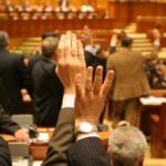 Peste 230 de proiecte de lege aşteaptă să fie votate de parlamentari
