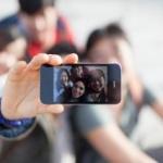 Afecţiunea la care sunt predispuşi oamenii care îşi fac selfie