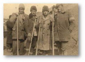 evrei-aradeni-in-tabara-de-munca_wwii_colectia-muzeului