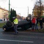 Autoturism răsturnat în centrul Aradului