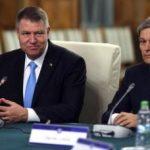 Klaus Iohannis şi Dacian Cioloş conduc într-un top al apariţiilor în media