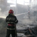 Incendiu la o hală de producţie din Arad