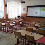 Peste 1.900 de elevi din Arad, cu risc să rămână cu mediile neîncheiate în primul semestru