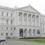 """Clădirea Teatrului Clasic """"Ioan Slavici"""", reabilitată"""