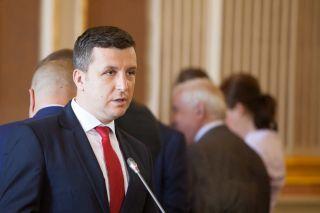 """Beniamin Vărcuş: """"Administraţia Falcă refuză reducerea taxelor şi impozitelor pentru arădeni"""""""
