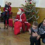 Moş Crăciun în mijlocul copiilor militarilor arădeni