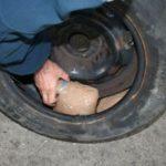 Droguri ascunse în roți, descoperite la PTF Nădlac