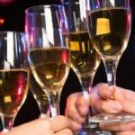 Studiu. Aproape jumătate dintre români sărbătoresc Revelionul acasă