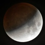 O eclipsă parţială de Lună, fenomenul astronomic al anului 2017