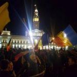 Arădenii continuă protestele și cer demisia Guvernului