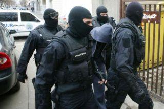Grupare infracțională specializată în tâlhării și furturi, destructurată de polițiști