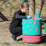 """Jardiniere din Arad, pictate de elevii de la Colegiul de Arte """"Sabin Drăgoi"""""""