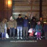 19 migranți, găsiți ascunși într-un automarfar