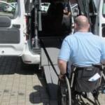 Primăria asigură transport gratuit pentru persoanele cu handicap