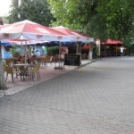 Zona comercială de la ștrand, transformată în parc