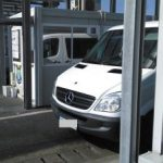 Adolescent găsit ascuns într-un microbuz, la PTF Nădlac