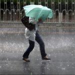 Informare meteo: Ploi, descărcări electrice şi intensificări ale vântului