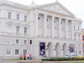 """Se redeschide casieria Teatrului Clasic """"Ioan Slavici"""". """"Vârful aisbergului"""", primul spectacol"""