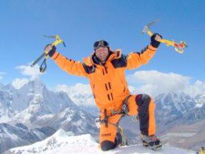 Alpinistul Zsolt Torok, decorat de preşedintele Iohannis