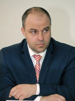 """Adrian Todor: """"Falcă se opune creşterii salariilor pentru angajaţii din administraţia locală"""""""