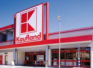 Kaufland trebuie să îi plătească 100.000 de lei daune morale unei foste angajate