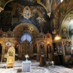 Barometru. Deşi se declară religioşi şi cred în Dumnezeu, românii spun că nu merg la biserică