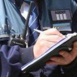 VEZI cum un polițist ajuta șoferii să scape de amenzi