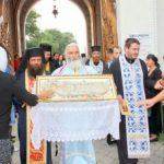 Adormirea Maicii Domnului. Programul slujbelor la mănăstiri din județul Arad