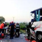 Accident între Sântana și Curtici. Doi morți și zece răniți