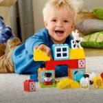 Cumpără jucării pentru copii în funcție de vârsta celui mic